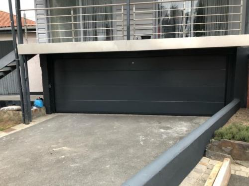 Cagnoncles porte de garage